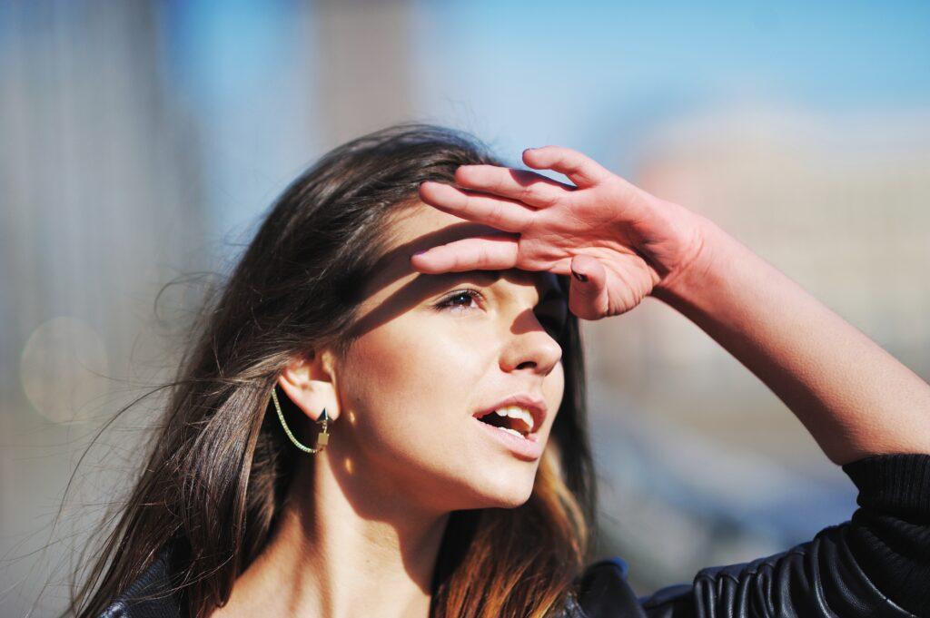hoofdpijn door de zon